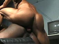 Black homo widens for huge knob
