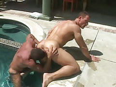 Mature muscle man-lover licks bendable champs ass in pool